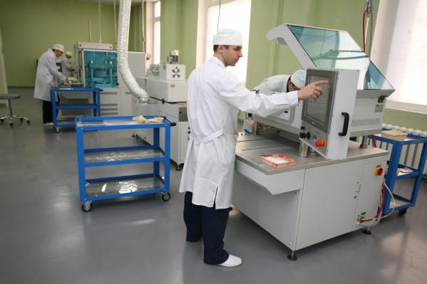 Производство «НЭВЗ-Керамикс» находится в промзоне за площадью Калинина