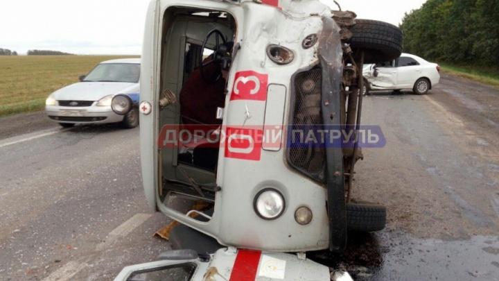 На дороге Уфа–Белорецк перевернулась машина скорой помощи