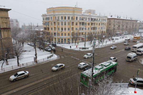 Городские дороги неплохо почищены от снега