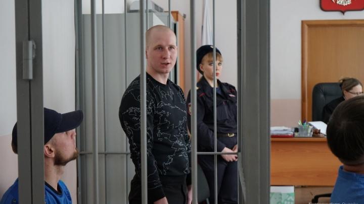 Экс-полицейские, осужденные за ограбления банков в Екатеринбурге, спрятали деньги от следствия