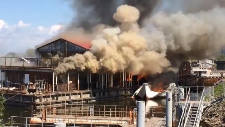 Прокуратура назвала виновника взрыва яхты и пожара на дебаркадере в Самаре