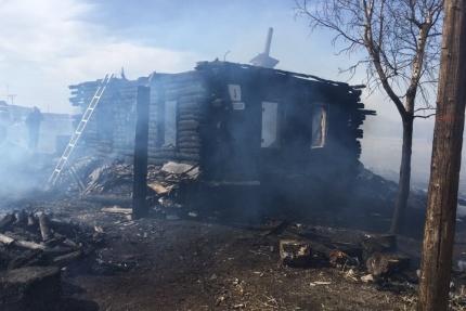 В момент трагедии в доме находились четыре человека, но спастись удалось лишь одному