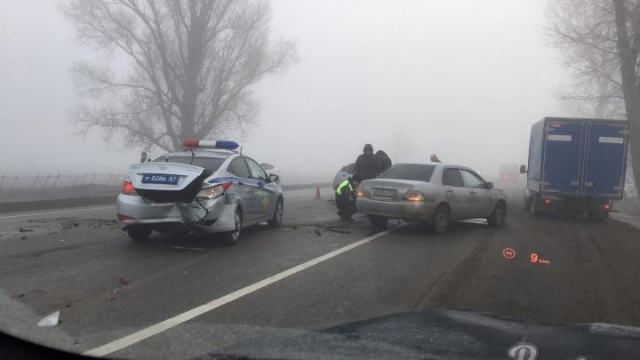 В Ростовской области сотрудники ДПС приехали на место аварии. И сами попали в ДТП