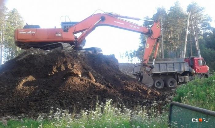 Во время подготовки трассы на Уктусе повредили почву