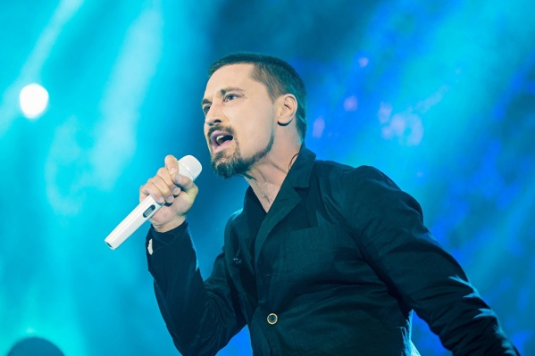 Шоу «Планета Билан» должно было пройтив ЛДС«Сибирь» 30 марта, но сорвалось из-за травмы певца