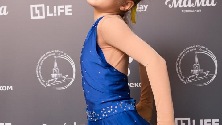 Зрители телешоу отправляют SMS в поддержку 9-летней фигуристки из Новосибирска