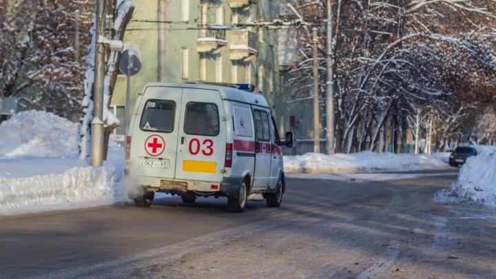 Шла по дороге: в Чапаевске водитель ГАЗа дал задний ход и сбил пешехода