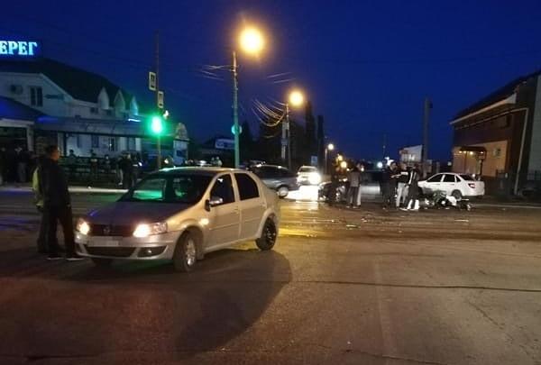 Слетел с Kawasaki прямо под колеса машины: в ДТП на перекрестке в Башкирии погиб 32-летний мужчина