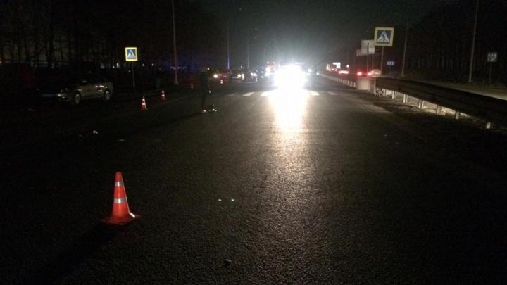 «Страшно, когда крадешься по этой дороге-убийце»:почему на Полевском тракте часто гибнут пешеходы