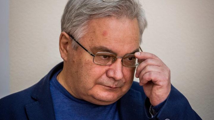 Отправили в колонию: онлайн-репортаж из суда, где читали приговор Михаилу Садовому