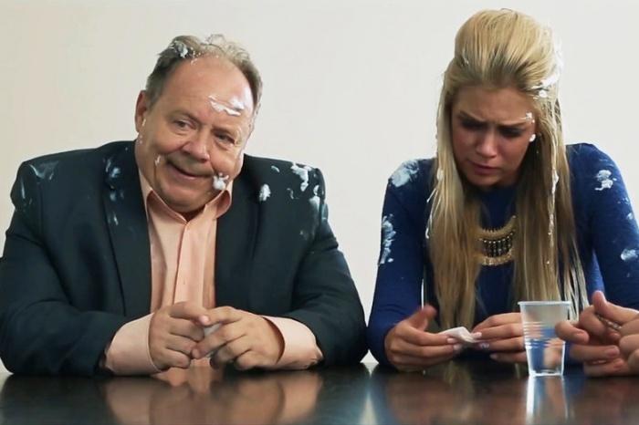 Одну из ролей в «Острове исправления» играет российский актёр Алексей Маклаков