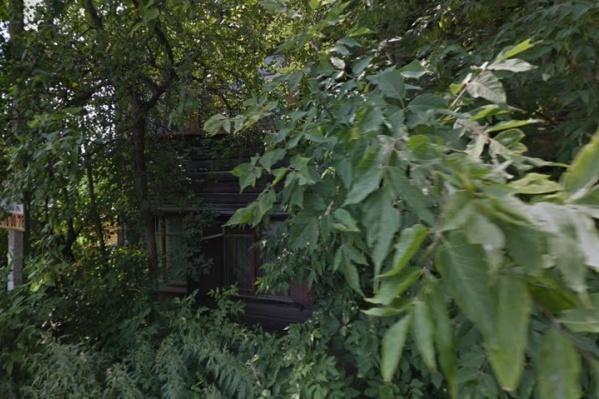 Деревянный барак по плану должны расселить в 2020–2021 годах