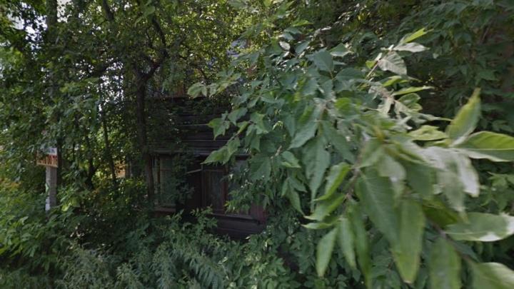 Прокуратура потребовала расселить аварийный дом на Семафорной из-за угрозы обрушения