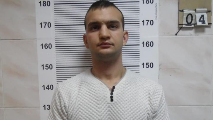 Полицейские ищут жертв лжетаксиста, который грабил клиентов в Екатеринбурге