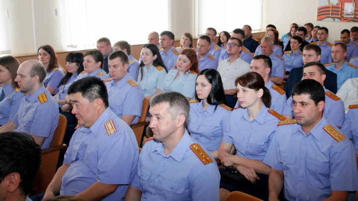 Глава города разрешил: 137 следователей СУ СК России в Волгограде приняли в казаки