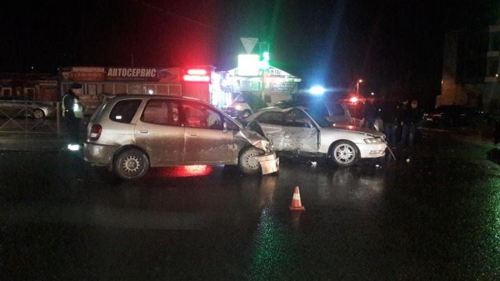 Водитель «Тойоты» получил сотрясение в ДТП на перекрёстке