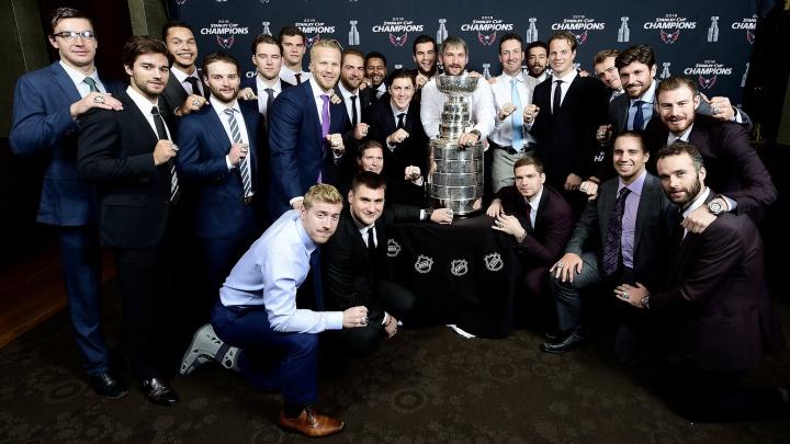 Колечко на память: Евгений Кузнецов получил именной чемпионский перстень с бриллиантами