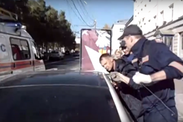 Спасателям удалось освободить девочку за две минуты