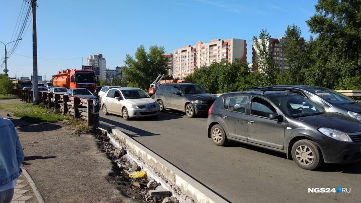 Забитый перекрёсток на Свободном планируют разгрузить запретом поворота налево
