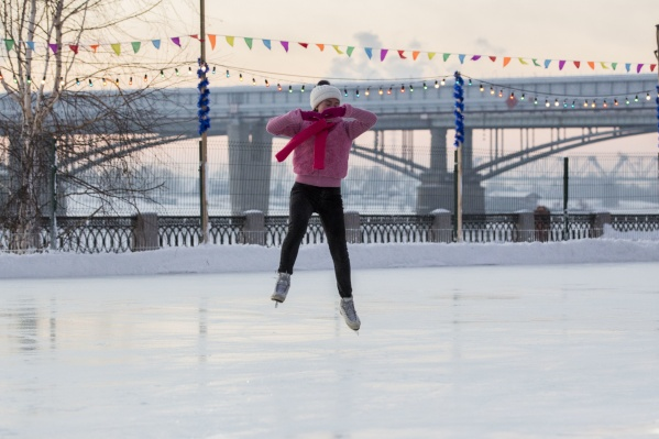 До 17 декабря на набережной вход на каток со своими коньками будет бесплатным