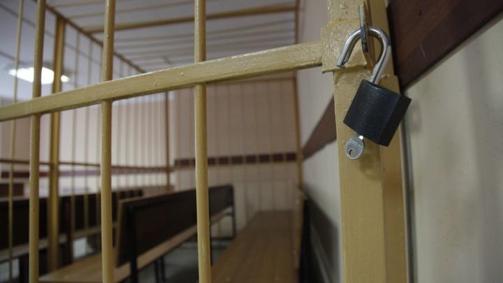 В Ярославле сотрудника колонии задержали за получение взяток от заключённого