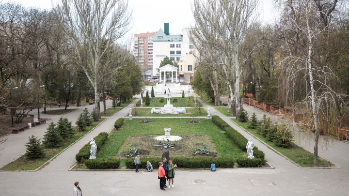 В Ростове задержали голого мужчину