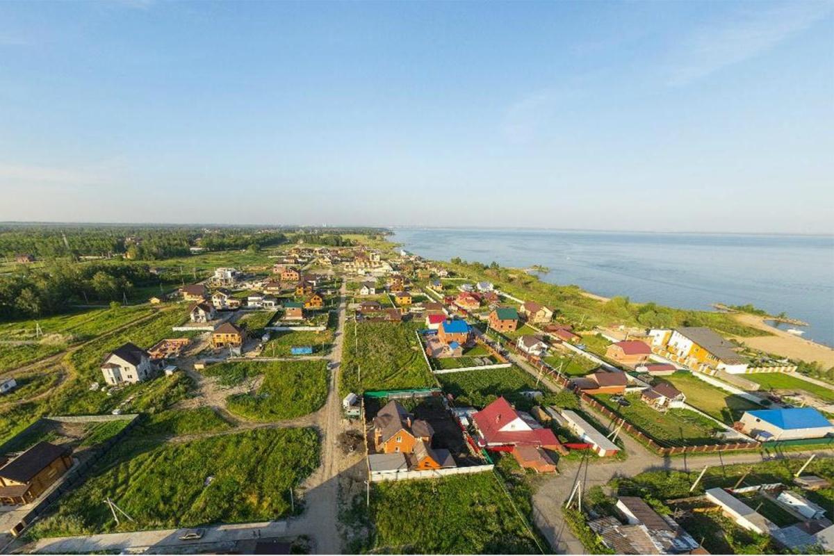 Все плюсы загородной жизни: участки и дома в коттеджном поселке «Морской берег» (фоторепортаж)