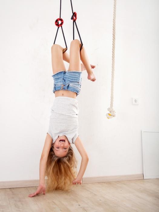 Акуна-матата: ставим спортивный уголок в детской