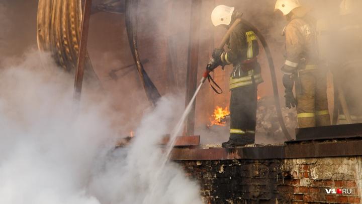 В Волгоградской области сгорели четыре частных дома