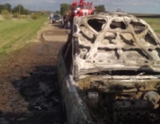 На трассе Оренбург–Казань на полном ходу загорелся автомобиль уроженца Башкирии