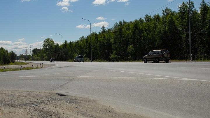Часть трассы под Тюменью закроют до октября. Для водителей организуют реверсивное движение