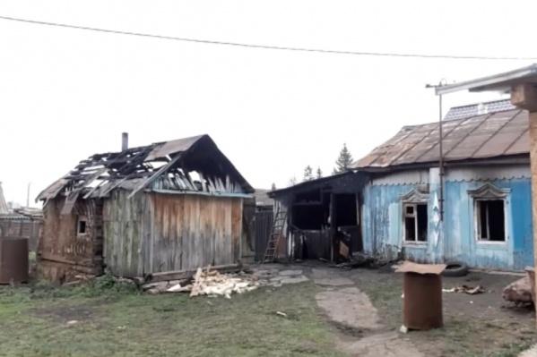 Дом устоял, но мать с детьми спастись не успели