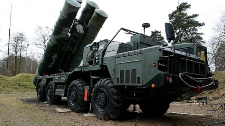 Поражает цель за сотни километров: самарских военных вооружат новым ракетно-зенитным комплексом