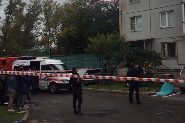 Жильцов дома эвакуировали из-за взрыва