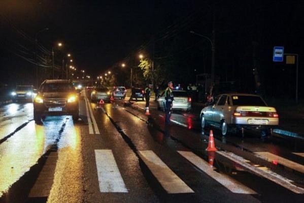 Авария произошла на Ленинградском проспекте в 21:27