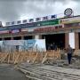 Прямо над головой покупателей: в Башкирии людей возмутила небезопасная стройка торгового центра