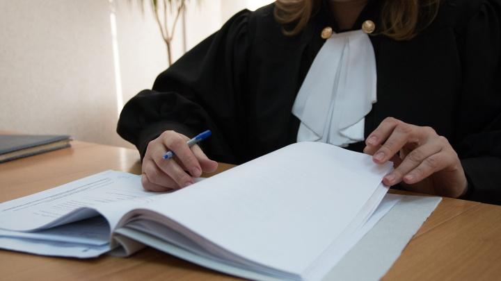 «Как за синяк»: в Самаре отменили наказание для врача, которую обвиняли в смерти мамы тройняшек