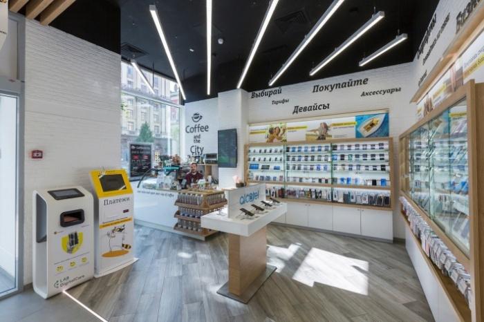 В этом году «Билайн» удвоил число собственных магазинов в России