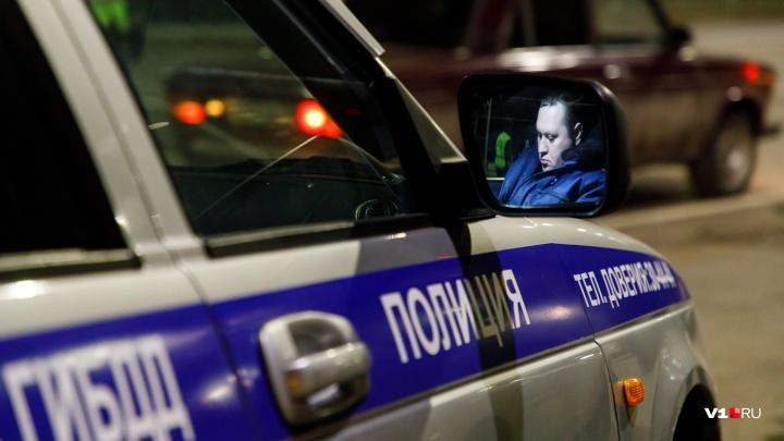 В Волгоградской области полицейские устроили погоню со стрельбой за пожилым любителем экстрима