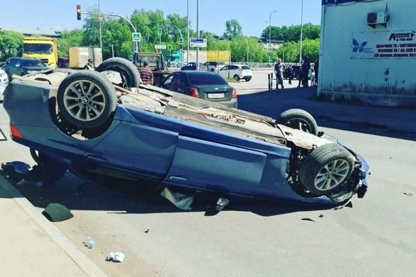 В аварии пострадали водитель этой машины и ребёнок-пассажир