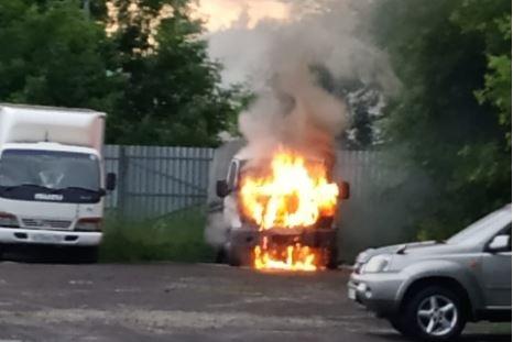 Грузовая «Газель» загорелась на Затулинке