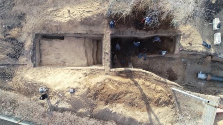 Кости животных и ножницы: археологи рассказали о находках у Фрунзенского моста