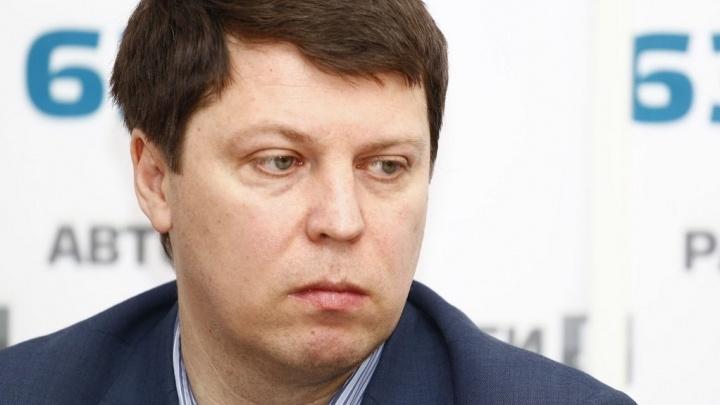 Самарский депутат попросил Азаровасохранитьобластную академию Наяновой
