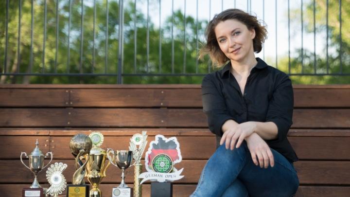 Танцовщица из Новосибирска получила статус, запрещающий ей выступать