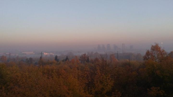 Молочные берега: на город опустился утренний туман