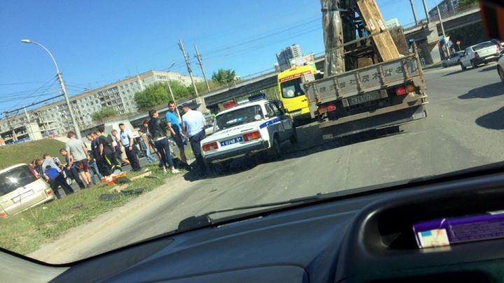 Авария на Ипподромской: три пострадавших и длинная пробка