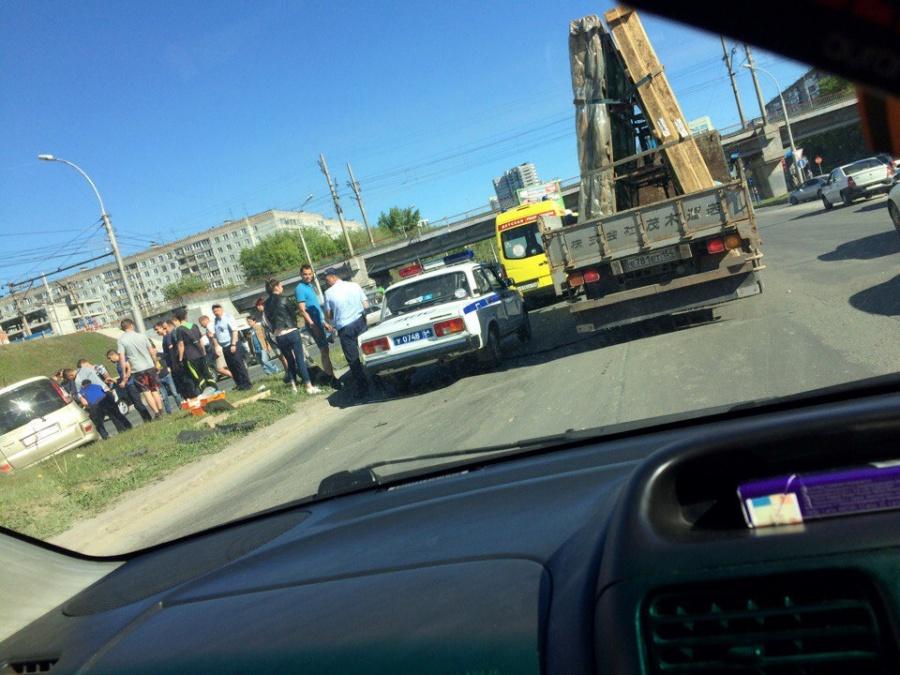 Три человека пострадали влобовом ДТП 2-х Тойот вНовосибирске