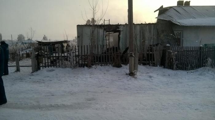 Сгоревший дом в посёлке Степной