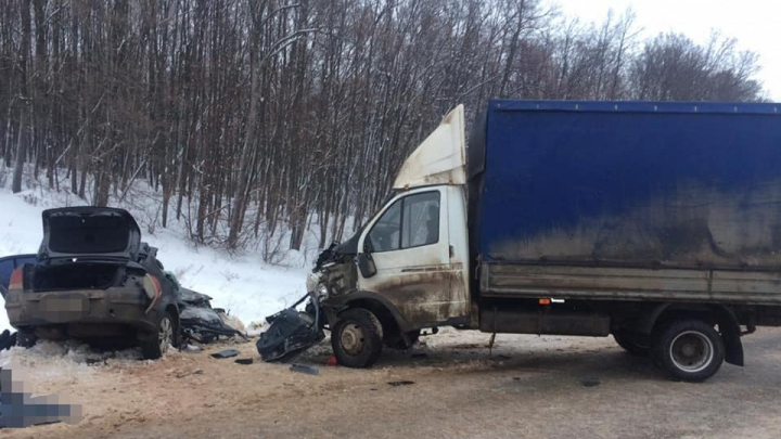 Три человека погибли в лобовом столкновении Opel Astra и «Газели» в Башкирии