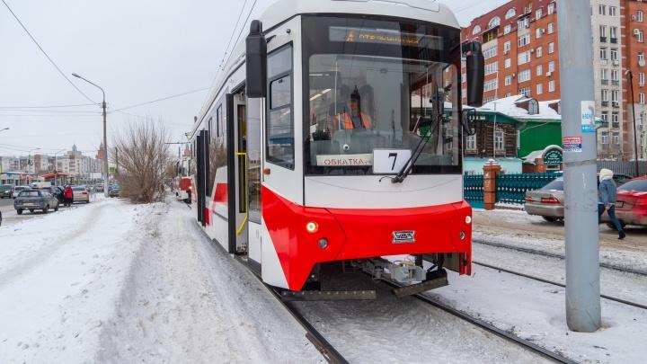 В Омске прошли тестовые испытания нового трамвая за 25 миллионов рублей